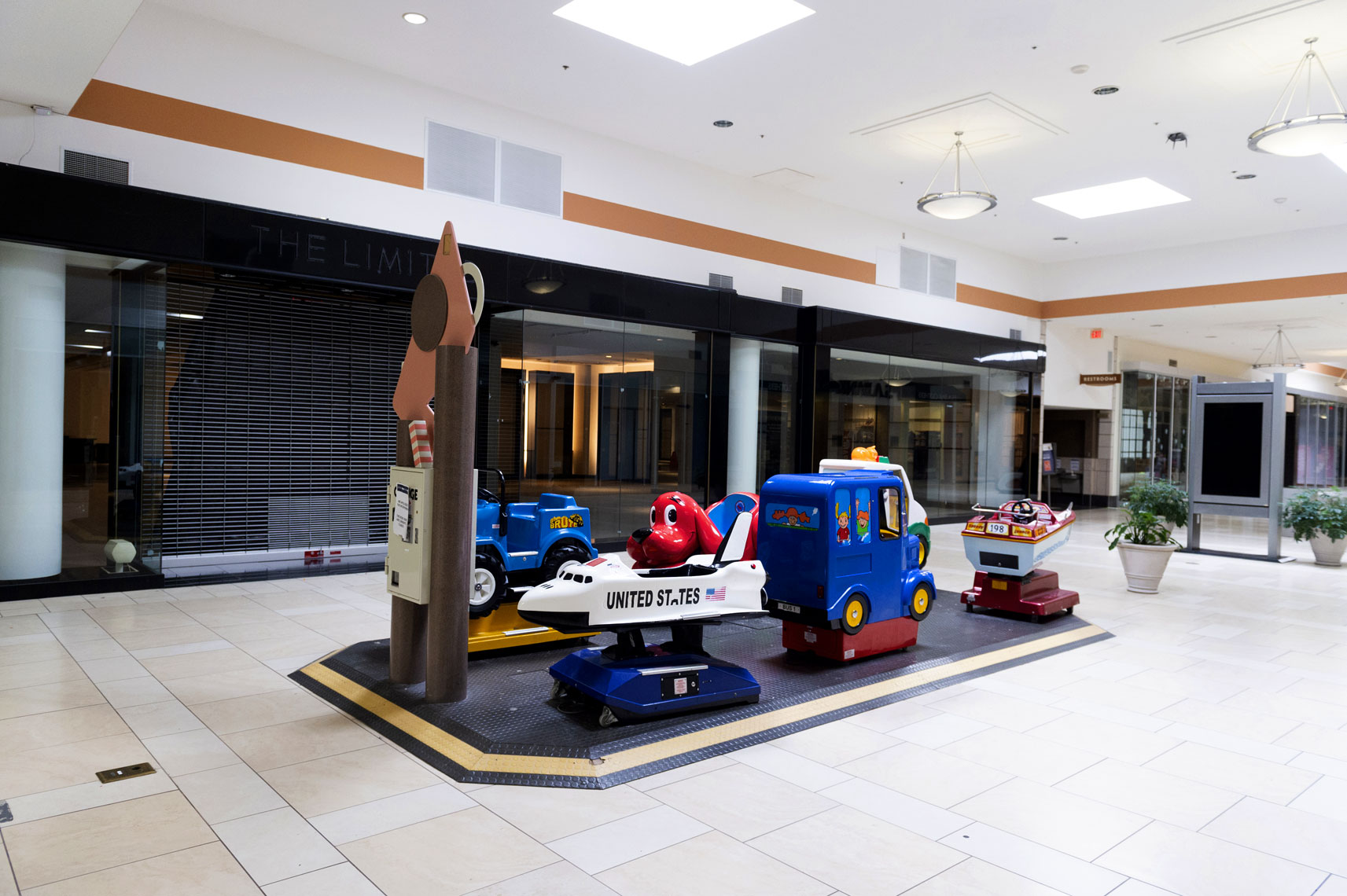 Cary Towne Center Death of the America mall Bryan Regan Photography
